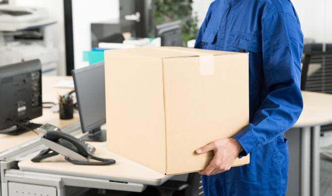 「新規オフィスの什器搬入と組み立ての補助」のサムネイル